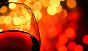 red-wine-glass-closeup-737318
